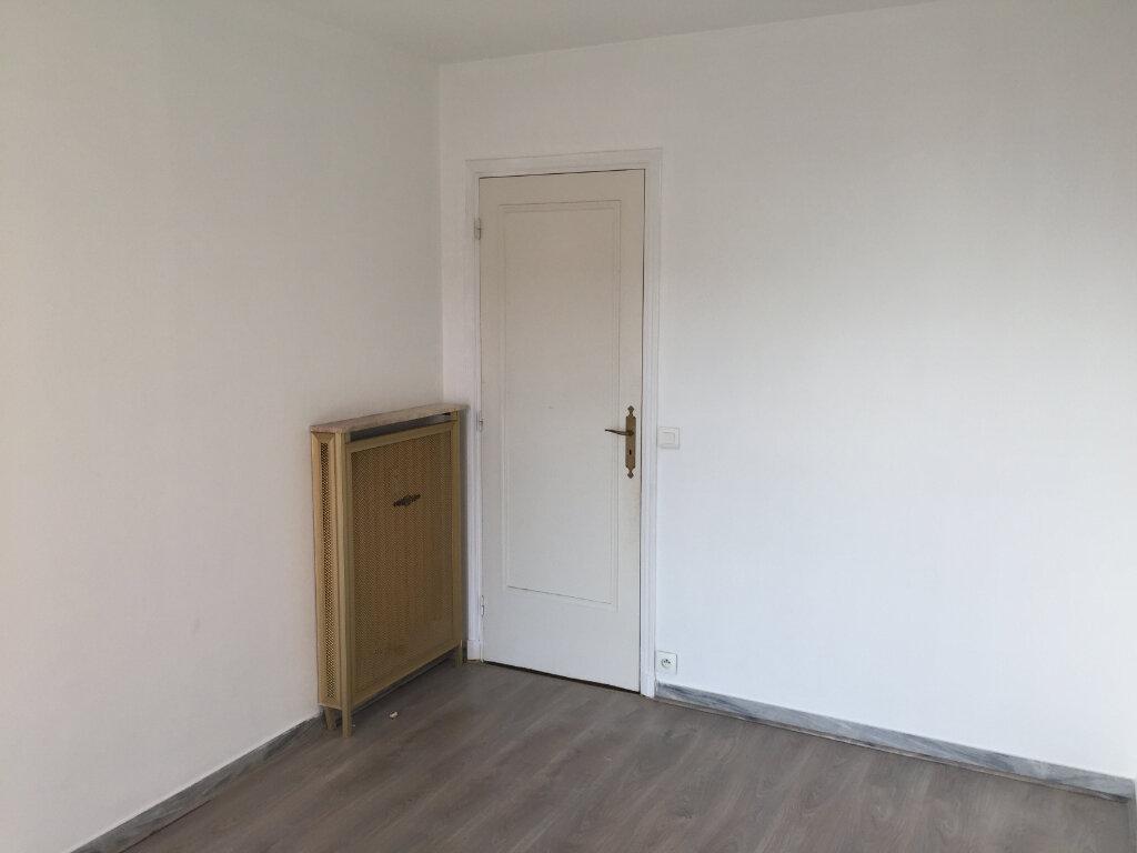 Appartement à louer 3 60.19m2 à Cagnes-sur-Mer vignette-6