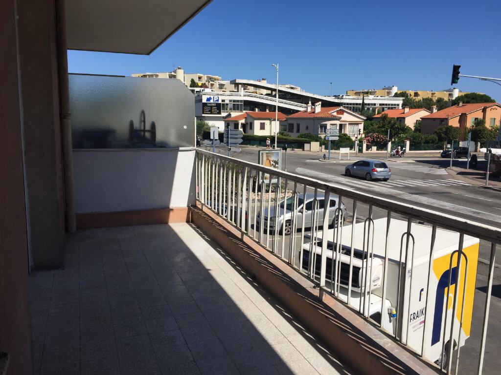 Appartement à louer 1 29m2 à Cagnes-sur-Mer vignette-4