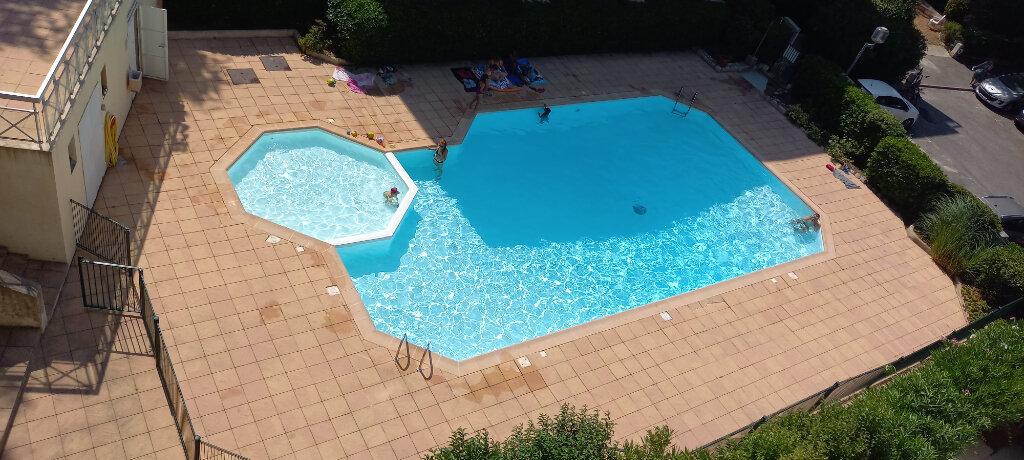 Appartement à louer 2 29.75m2 à Cagnes-sur-Mer vignette-1