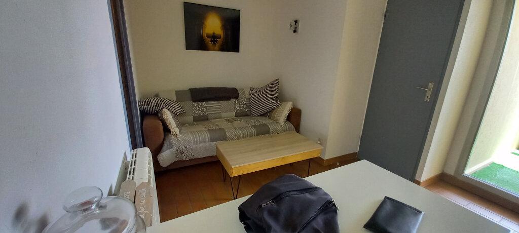 Appartement à louer 2 29.75m2 à Cagnes-sur-Mer vignette-5