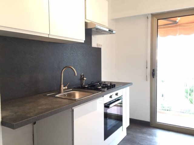 Appartement à louer 2 48.63m2 à Cagnes-sur-Mer vignette-2