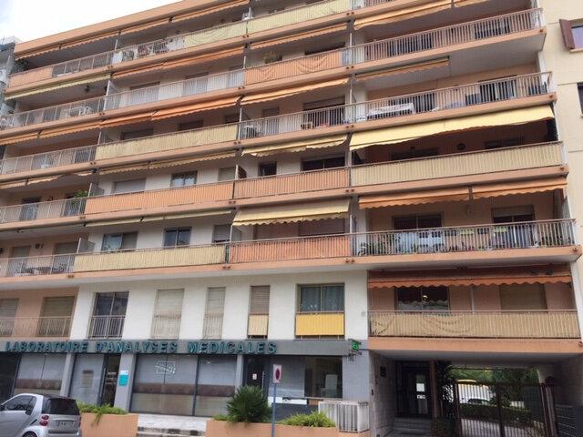 Appartement à louer 2 48.63m2 à Cagnes-sur-Mer vignette-3