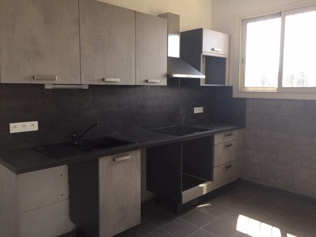 Appartement à louer 3 71.39m2 à Cagnes-sur-Mer vignette-3