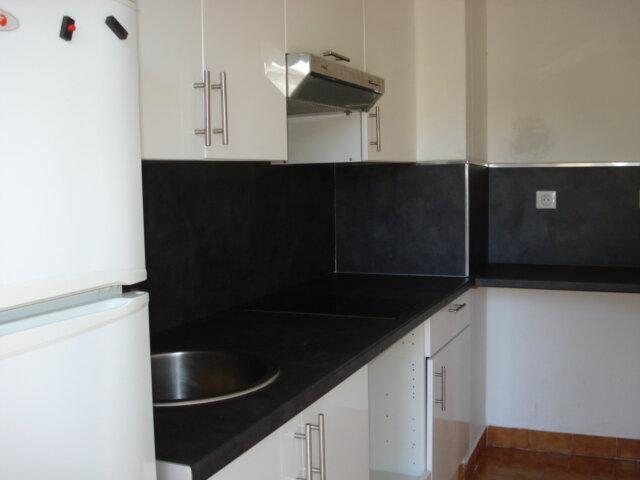 Appartement à louer 1 26.95m2 à Cagnes-sur-Mer vignette-2