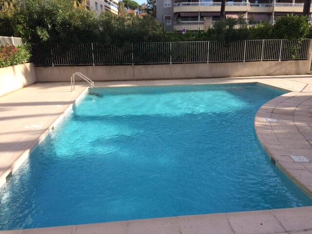 Appartement à louer 2 54.13m2 à Cagnes-sur-Mer vignette-2