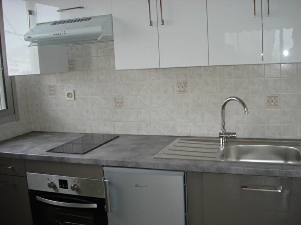 Appartement à louer 1 31.37m2 à Saint-Laurent-du-Var vignette-4
