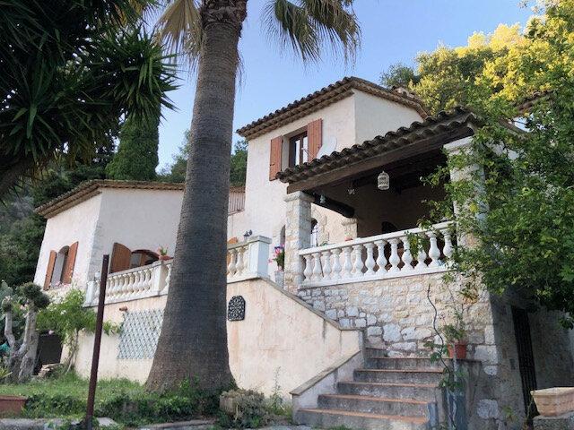Maison à vendre 7 190m2 à Cagnes-sur-Mer vignette-1