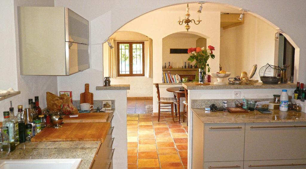 Maison à vendre 7 190m2 à Cagnes-sur-Mer vignette-4