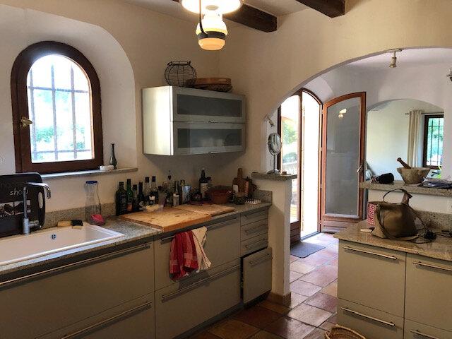 Maison à vendre 7 190m2 à Cagnes-sur-Mer vignette-5