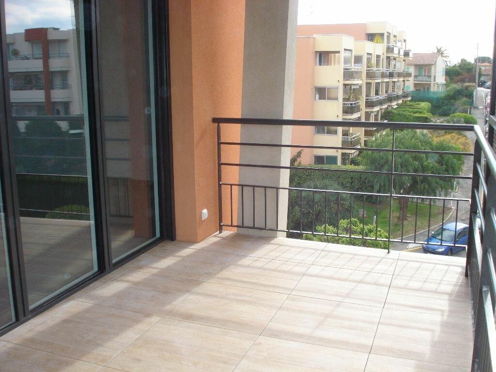 Appartement à louer 2 45.42m2 à Cagnes-sur-Mer vignette-2