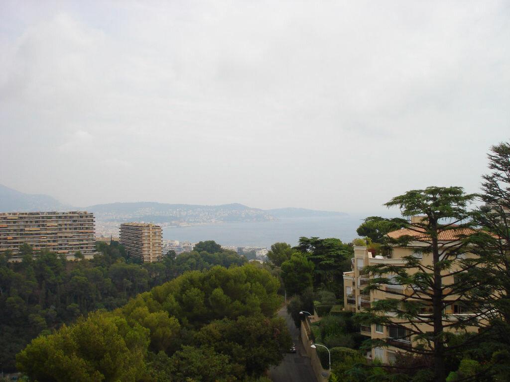 Appartement à louer 3 67.1m2 à Nice vignette-2