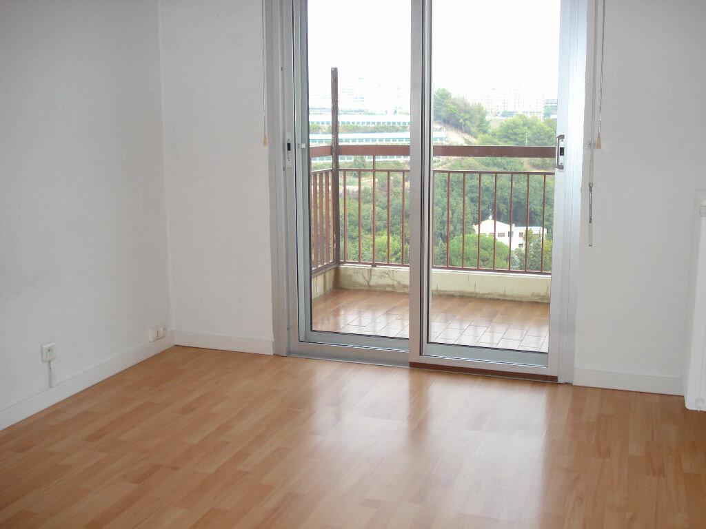 Appartement à louer 3 67.1m2 à Nice vignette-3