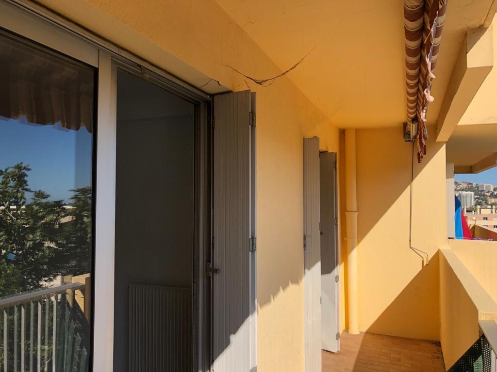 Appartement à vendre 2 50m2 à Saint-Laurent-du-Var vignette-2