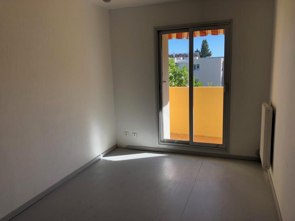 Appartement à vendre 2 50m2 à Saint-Laurent-du-Var vignette-3