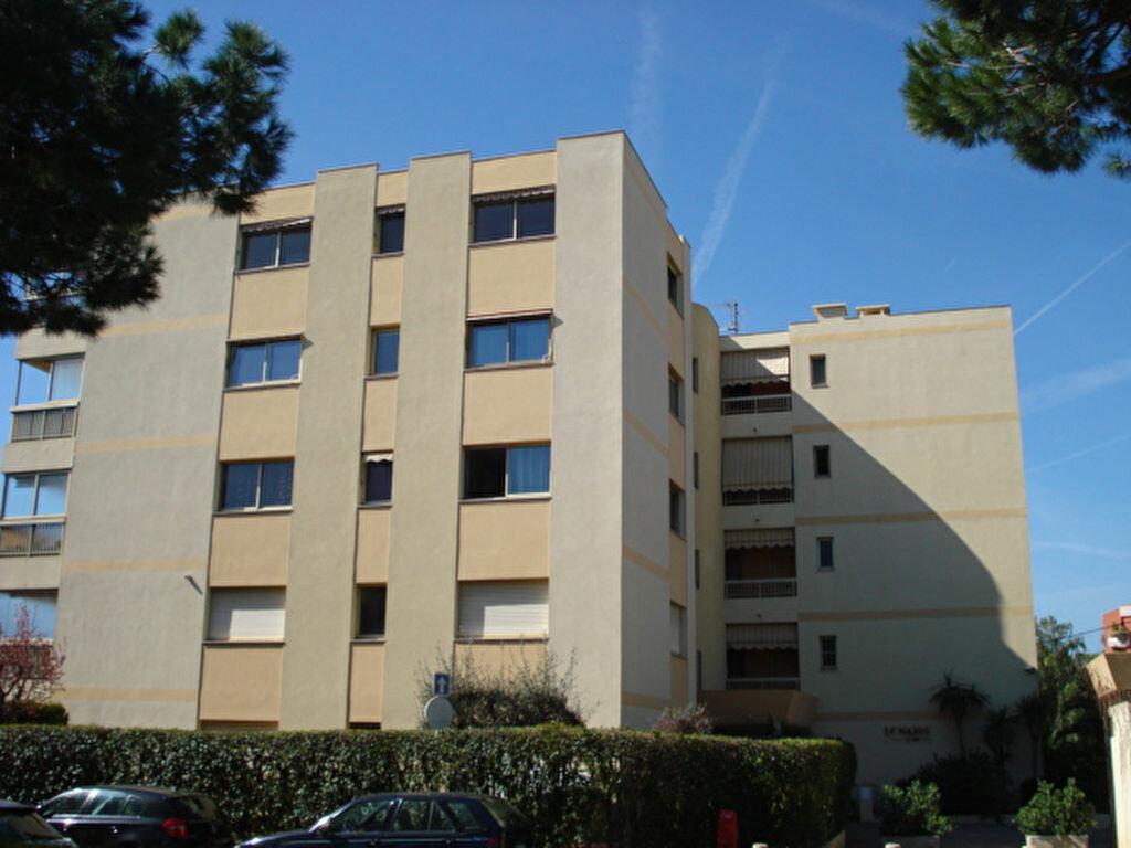 Appartement à louer 2 38.85m2 à Saint-Laurent-du-Var vignette-1