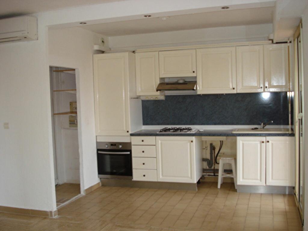 Appartement à louer 2 38.85m2 à Saint-Laurent-du-Var vignette-4
