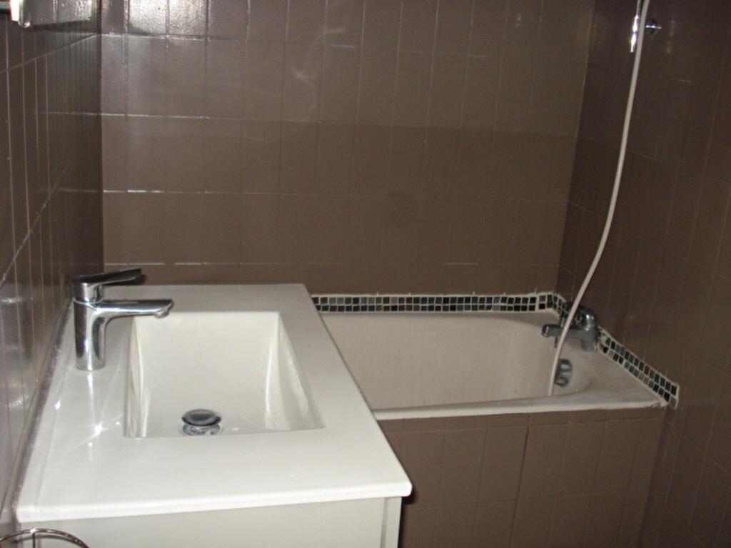Appartement à louer 2 38.85m2 à Saint-Laurent-du-Var vignette-6