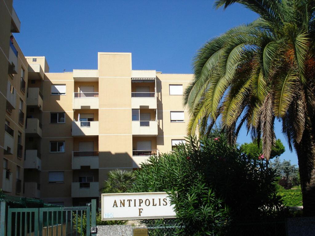 Appartement à louer 1 16.6m2 à Saint-Laurent-du-Var vignette-4