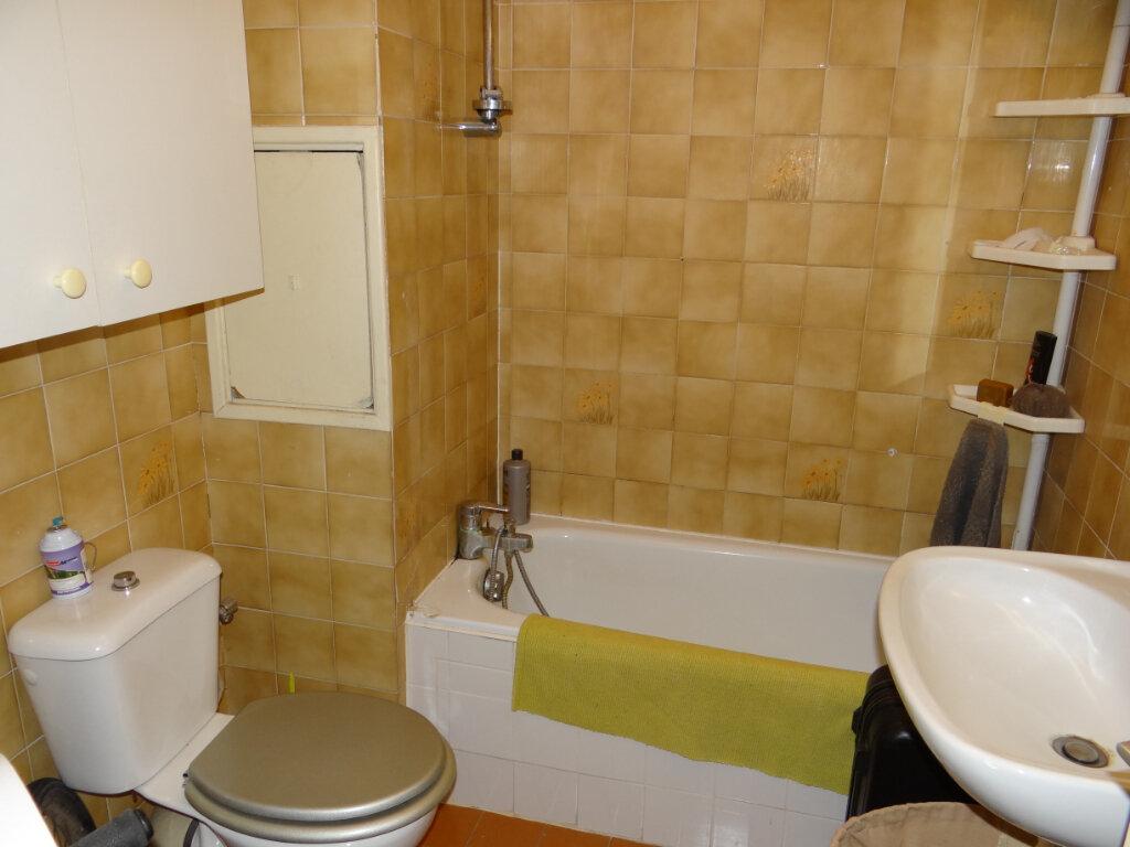 Appartement à vendre 1 29m2 à Cagnes-sur-Mer vignette-4