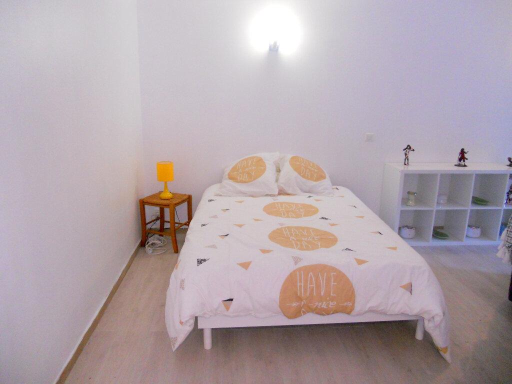 Appartement à vendre 1 36m2 à Saint-Laurent-du-Var vignette-5