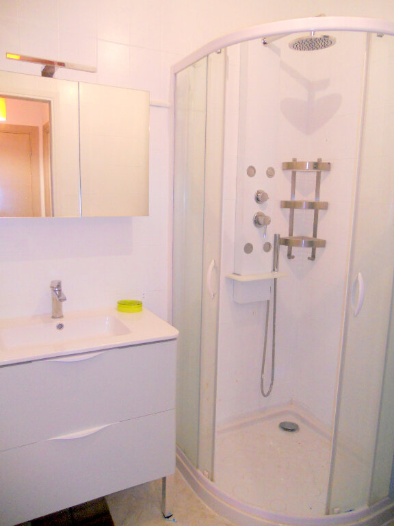 Appartement à vendre 1 36m2 à Saint-Laurent-du-Var vignette-7