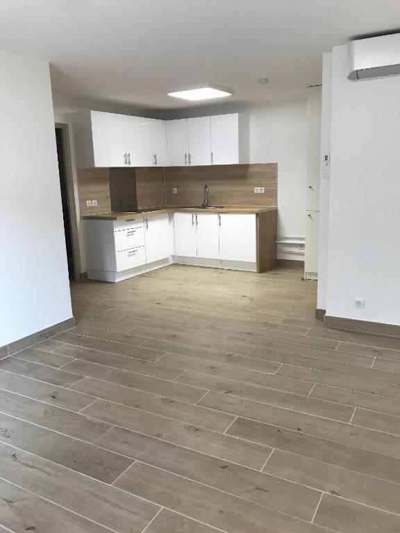 Appartement à louer 2 38.81m2 à Villeneuve-Loubet vignette-2