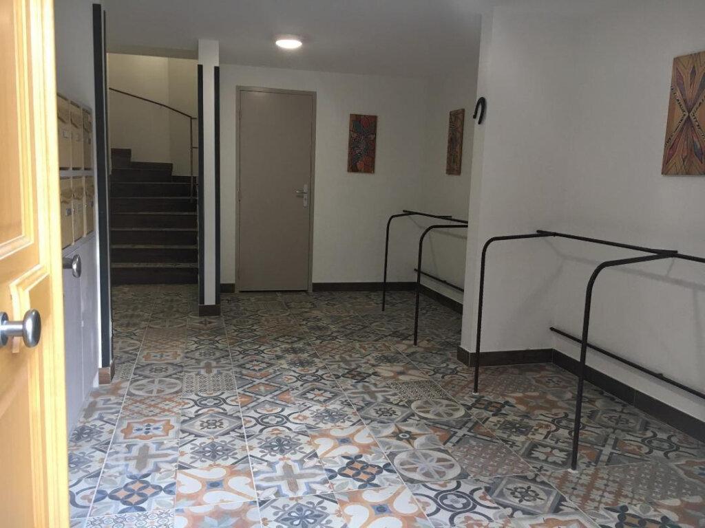 Appartement à louer 2 38.81m2 à Villeneuve-Loubet vignette-5