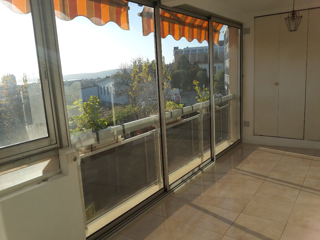 Appartement à vendre 3 72m2 à Saint-Laurent-du-Var vignette-7
