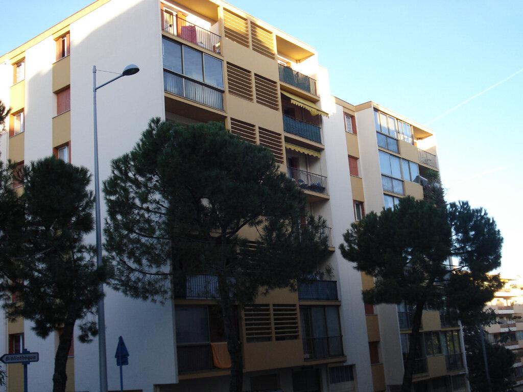 Appartement à louer 2 47.18m2 à Cagnes-sur-Mer vignette-1