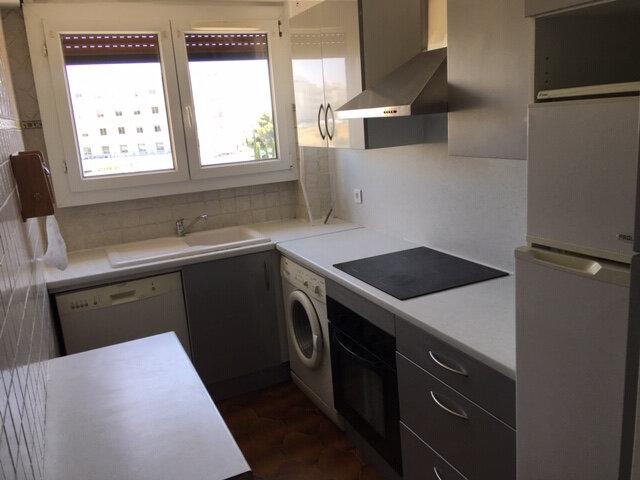 Appartement à louer 3 47.79m2 à Nice vignette-2