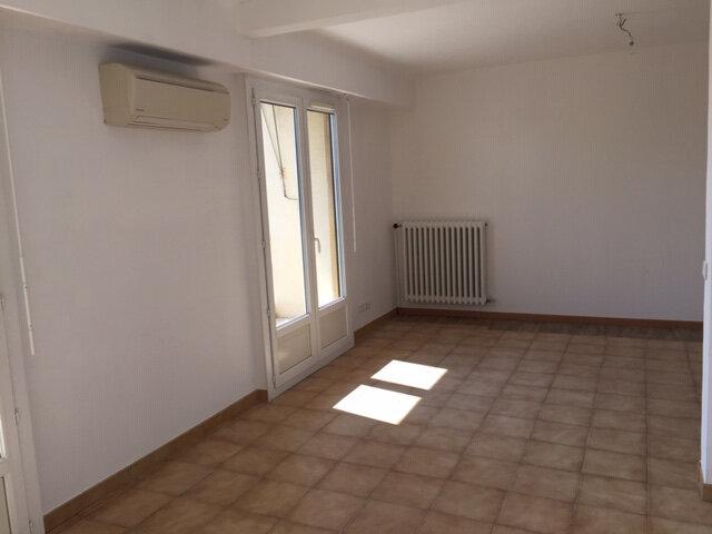 Appartement à louer 3 47.79m2 à Nice vignette-3