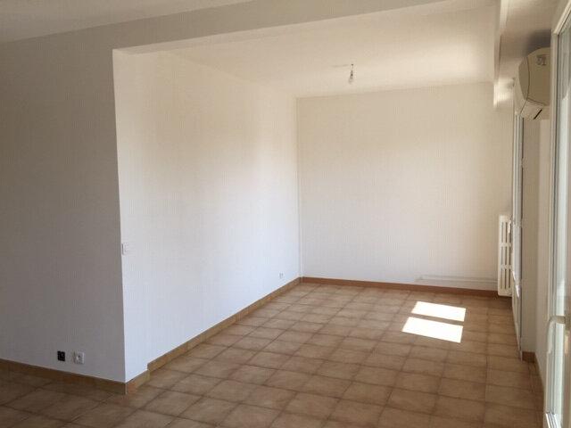Appartement à louer 3 47.79m2 à Nice vignette-4