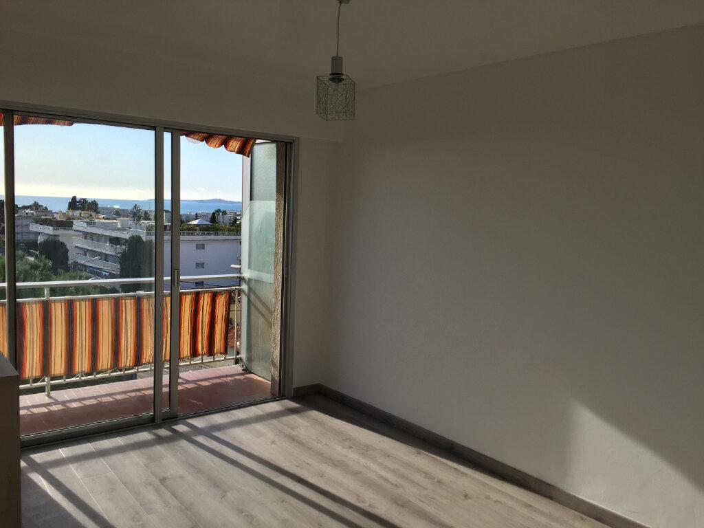 Appartement à louer 1 24.33m2 à Cagnes-sur-Mer vignette-6