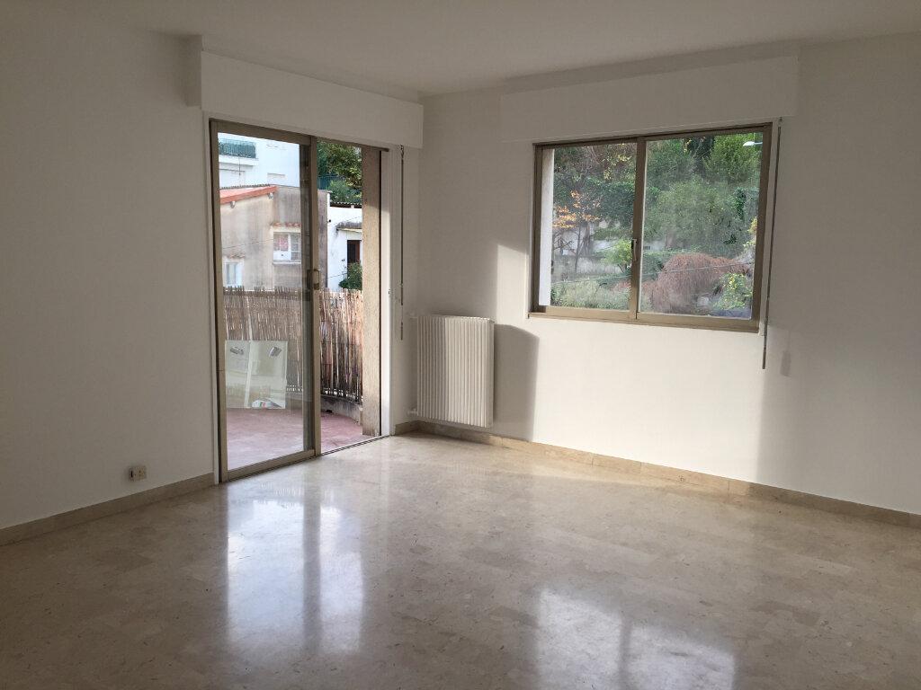 Appartement à louer 3 70.02m2 à Nice vignette-1