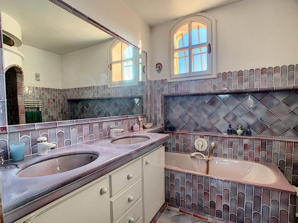 Maison à vendre 6 280m2 à Levens vignette-8