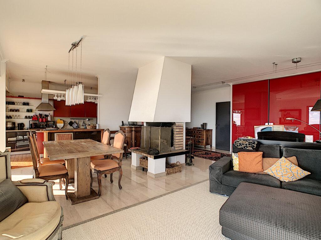 Appartement à vendre 5 137.82m2 à Nice vignette-4