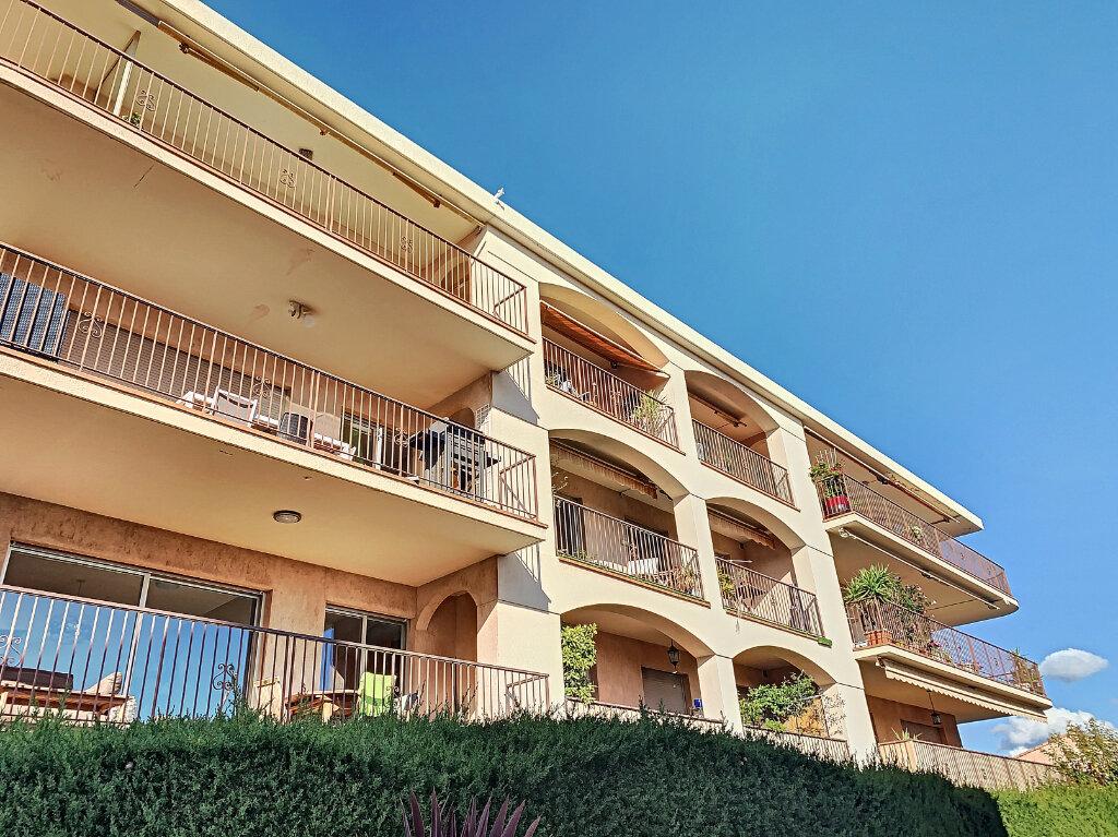 Appartement à vendre 5 137.82m2 à Nice vignette-11