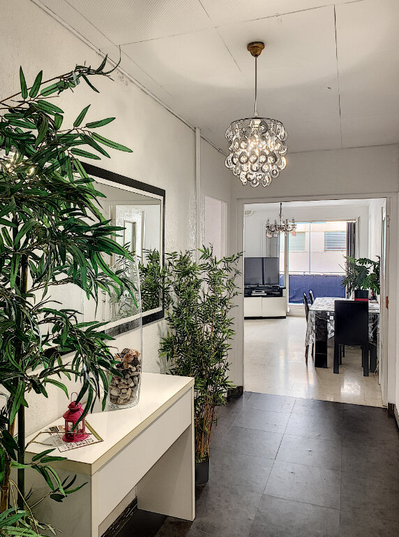 Appartement à vendre 4 77m2 à Nice vignette-1