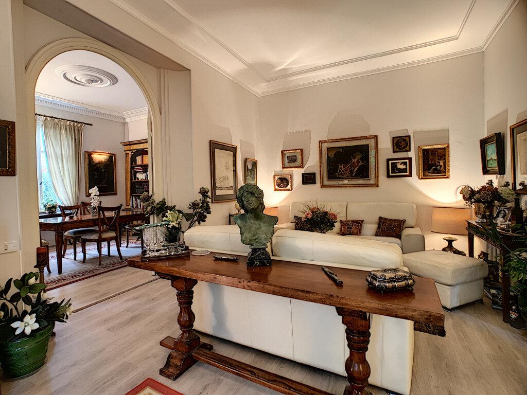 Maison à vendre 8 230m2 à Nice vignette-1