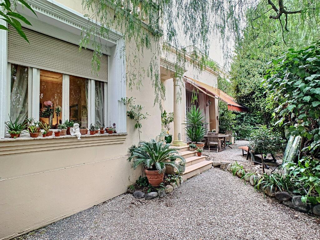 Maison à vendre 8 230m2 à Nice vignette-4