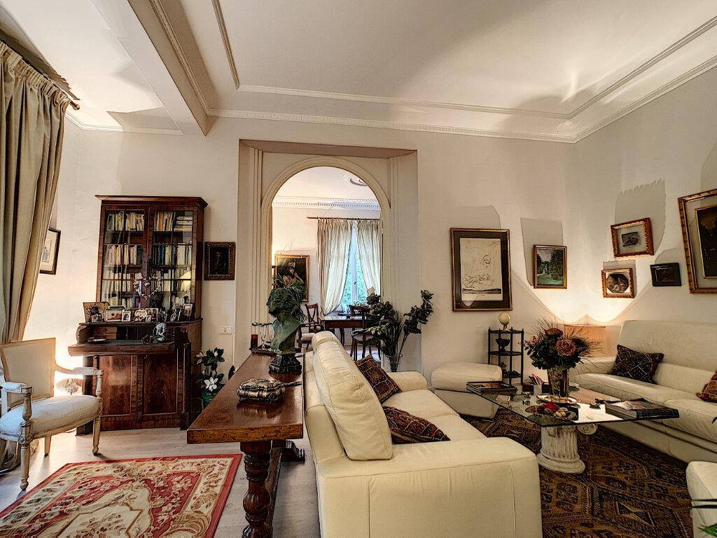 Maison à vendre 8 230m2 à Nice vignette-11