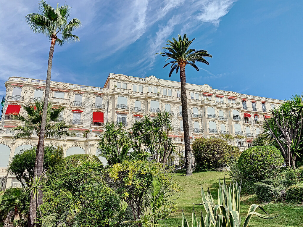 Appartement à vendre 4 192.6m2 à Nice vignette-1