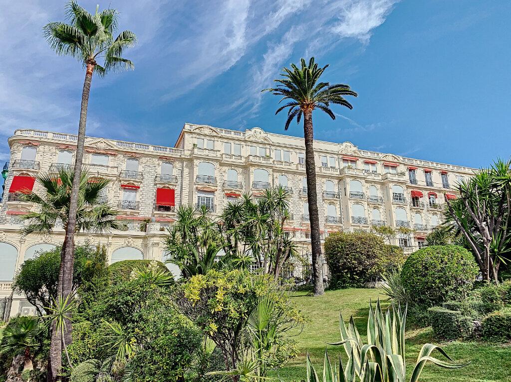 Appartement à vendre 4 186.05m2 à Nice vignette-2