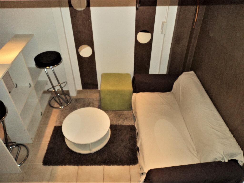 Appartement à vendre 1 12m2 à Nice vignette-2
