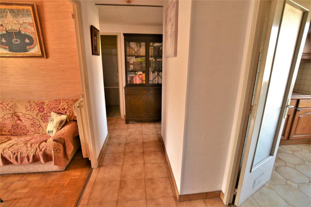 Appartement à vendre 4 67.3m2 à Nice vignette-8