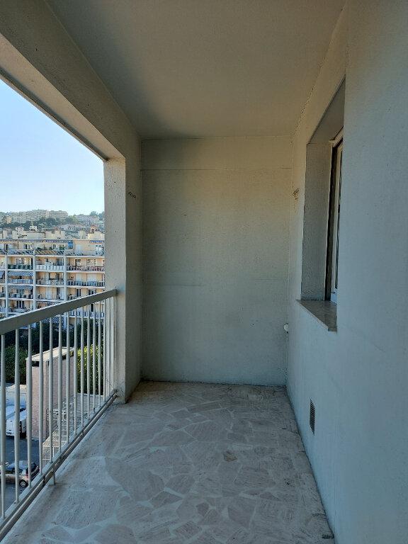 Appartement à louer 1 28m2 à Nice vignette-3