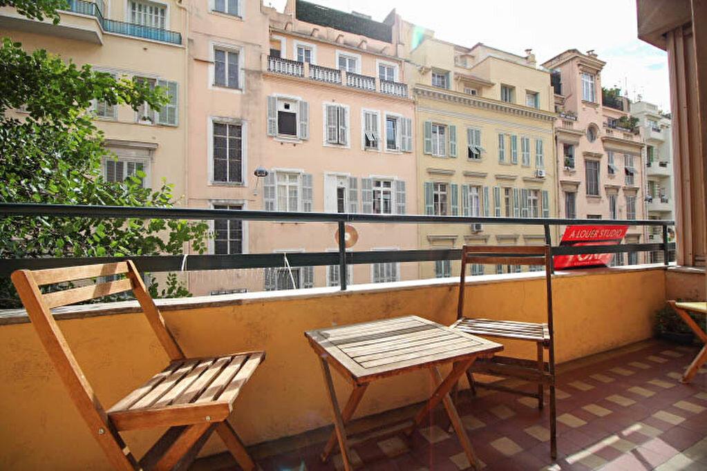Appartement à louer 3 82m2 à Nice vignette-1