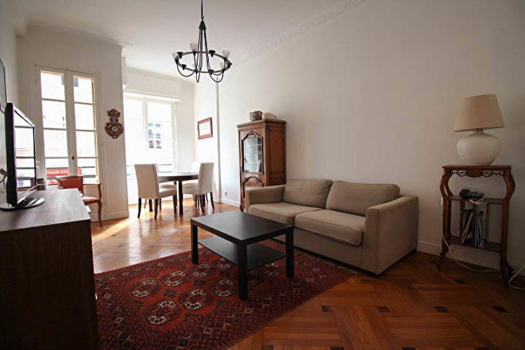 Appartement à louer 3 82m2 à Nice vignette-2