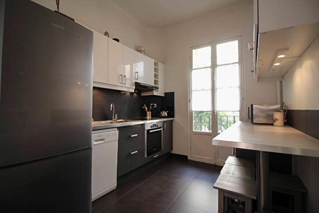 Appartement à louer 3 82m2 à Nice vignette-3