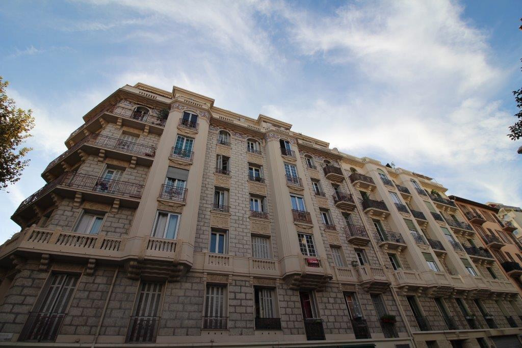 Appartement à louer 2 40.6m2 à Nice vignette-1